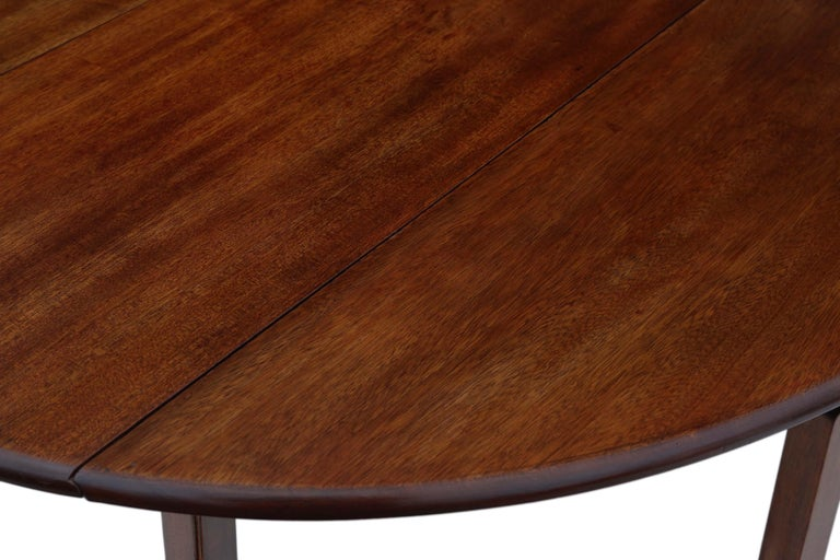 Antique Large Mahogany Gateleg Wake Dining Table In Good Condition For Sale In Wisbech, Cambridgeshire