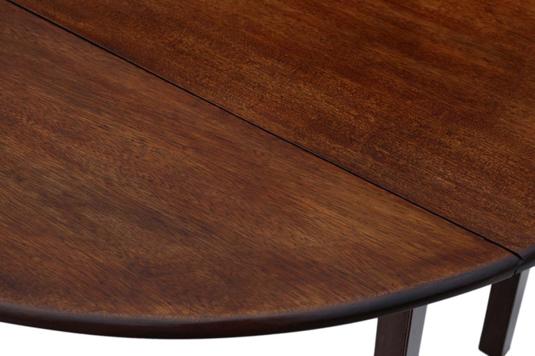 Early 20th Century Antique Large Mahogany Gateleg Wake Dining Table For Sale