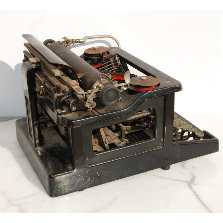 Antique LC Smith & Corona Typewriter, circa 1920s In Good Condition For Sale In Pasadena, TX