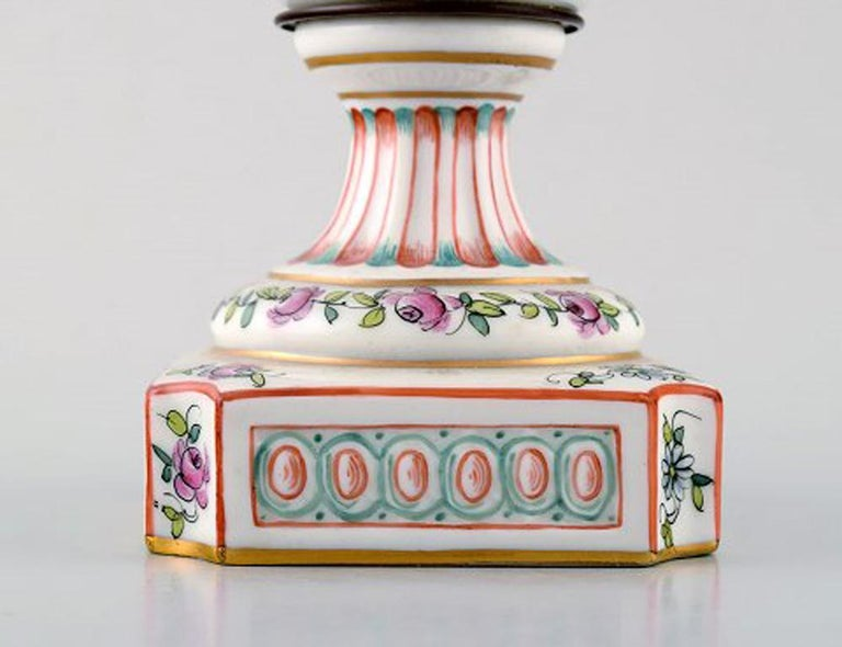 Antique Lidded Vase of Porcelain in Overglaze, Classic Style, Late 1800s In Excellent Condition For Sale In Copenhagen, Denmark