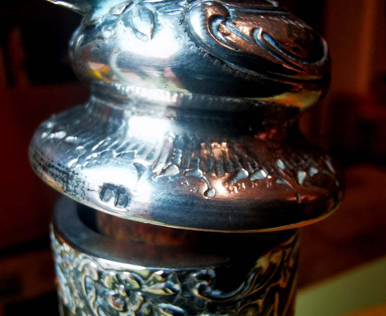 Antique Liquor Bottle with Rich Decoration and Silver Mount, France, around 1890 For Sale 2