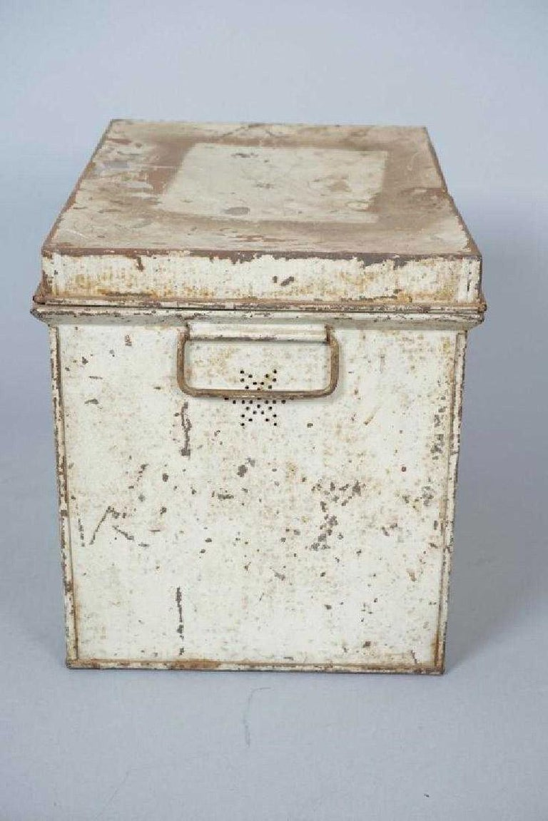 Antique Lithographed Tin Bread Box In Distressed Condition For Sale In Great Barrington, MA