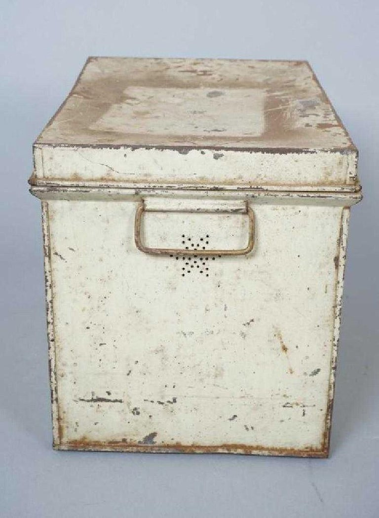 Antique Lithographed Tin Bread Box For Sale 1