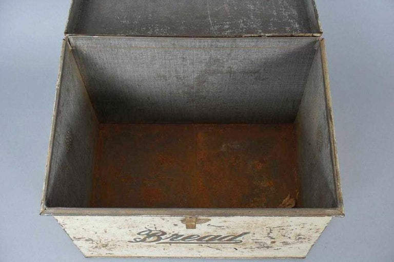 Antique Lithographed Tin Bread Box For Sale 4