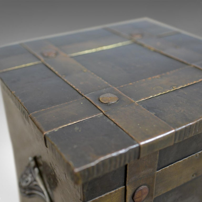 Antique Log Bin, Edwardian, Bound Metal, Fireside Box, Arts & Crafts, circa 1910 In Good Condition For Sale In Taunton, GB