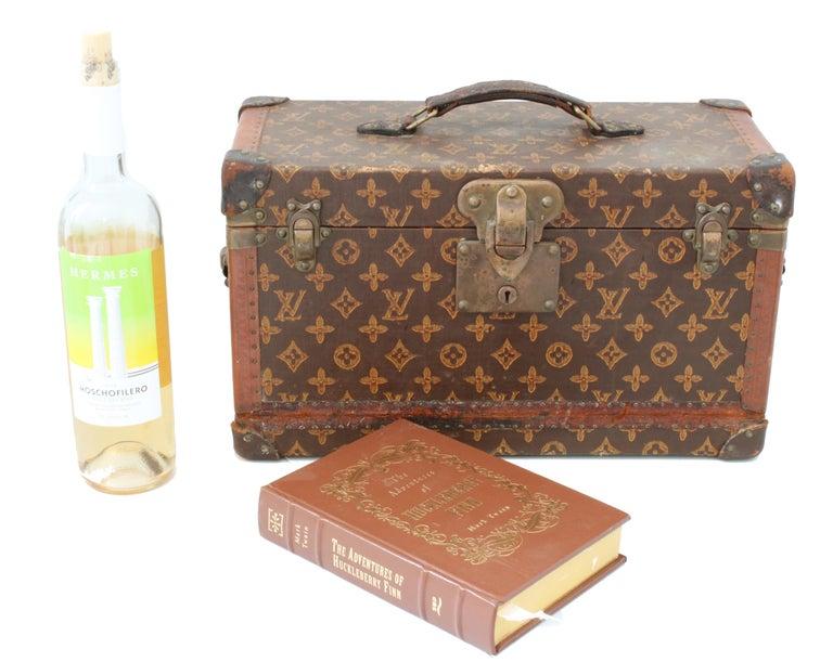 Antique Louis Vuitton Book Trunk Monogram Canvas Early 20th C Rare Home Decor  2