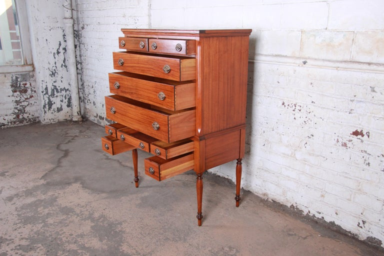 Antique Mahogany 10-Drawer Highboy Chest of Drawers, circa 1910 In Good Condition For Sale In South Bend, IN