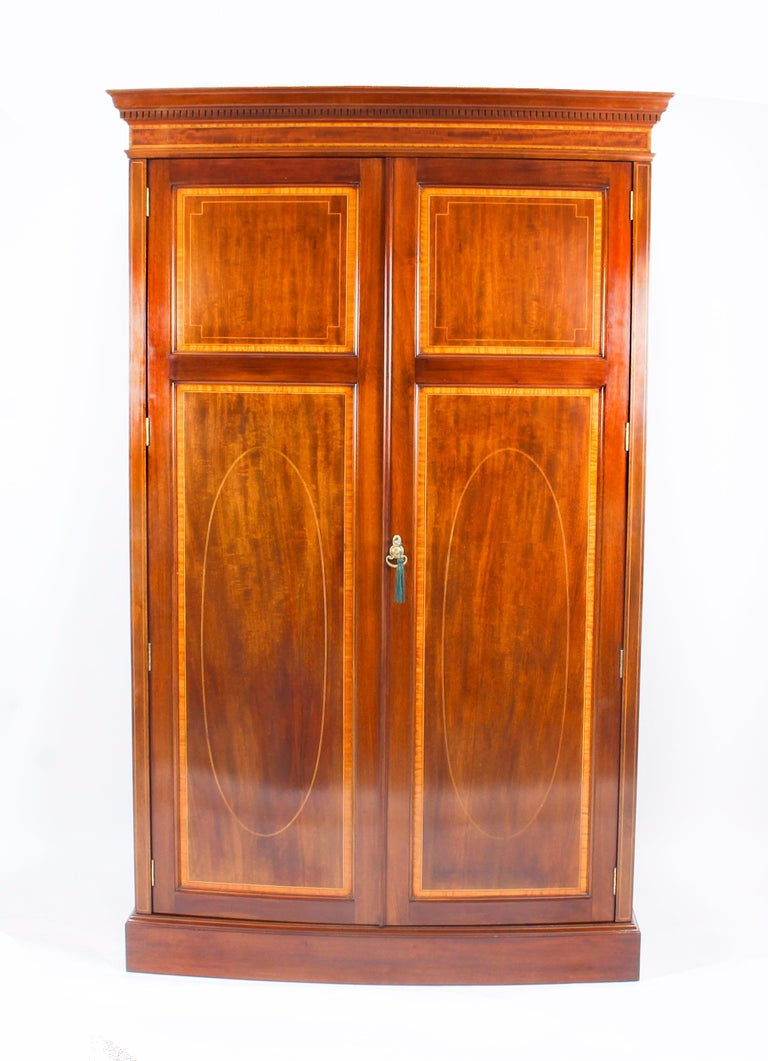 Antique Mahogany Bow Fronted Two-Door Wardrobe by Maple & Co, 19th Century For Sale 8
