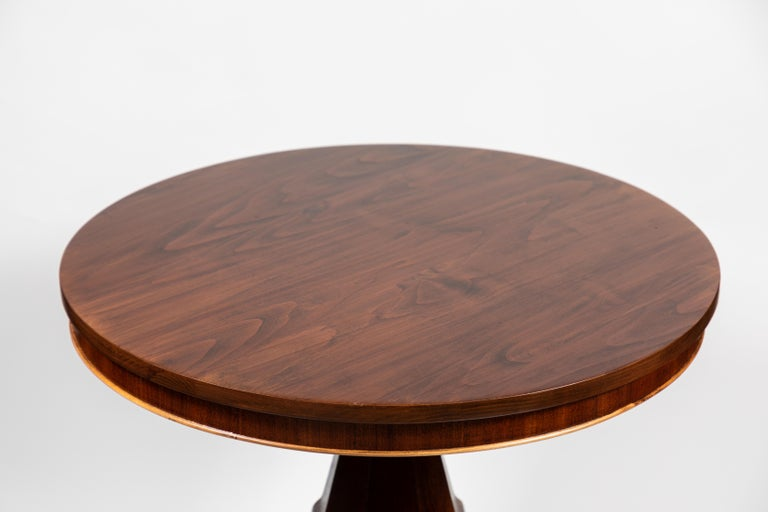 Mahogany round pedestal side table, decorative pedestal base and scroll feet with castors, circa 1850