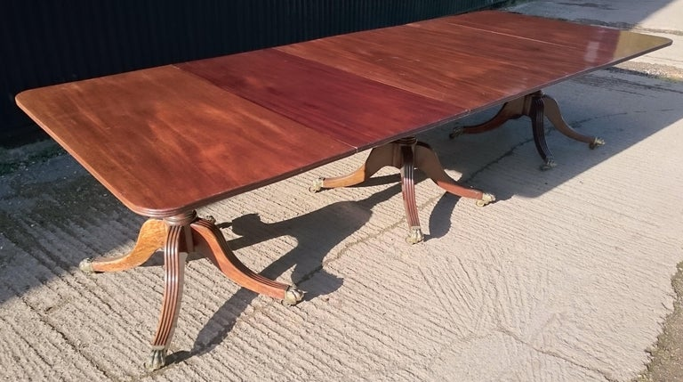 George III Antique Mahogany Three-Pedestal Dining Table For Sale