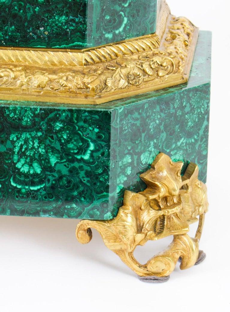 Antique Malachite Ormolu & Bronze Mantel Clock Silk Suspension Movement, 19th C For Sale 4