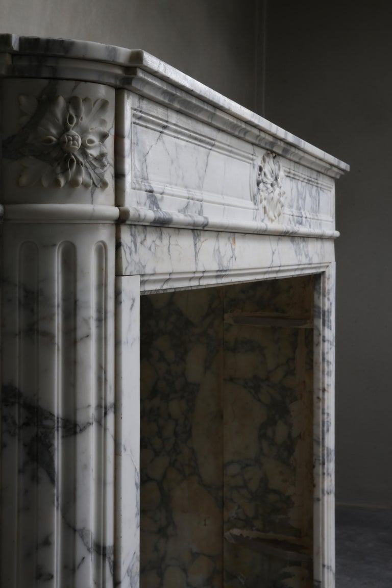 Antique Mantel of Arabescato Marble from Italy in Style of Louis XVI For Sale 6