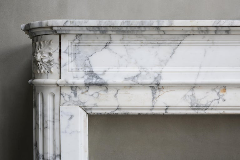 Antique Mantel of Arabescato Marble from Italy in Style of Louis XVI In Good Condition For Sale In Made, NL