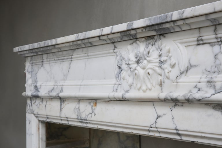 Antique Mantel of Arabescato Marble from Italy in Style of Louis XVI For Sale 1