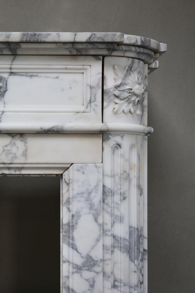 Antique Mantel of Arabescato Marble from Italy in Style of Louis XVI For Sale 2