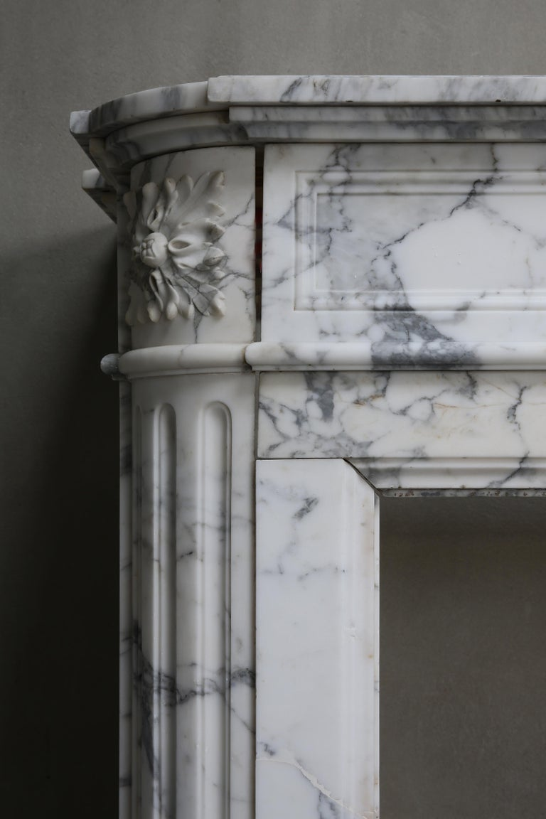 Antique Mantel of Arabescato Marble from Italy in Style of Louis XVI For Sale 4