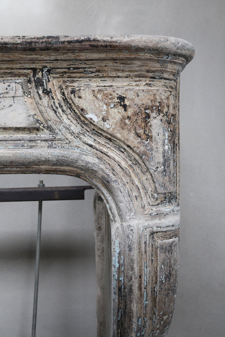 Antique Mantelpiece of French Limestone, Louis XIV Style, 19th Century For Sale 4