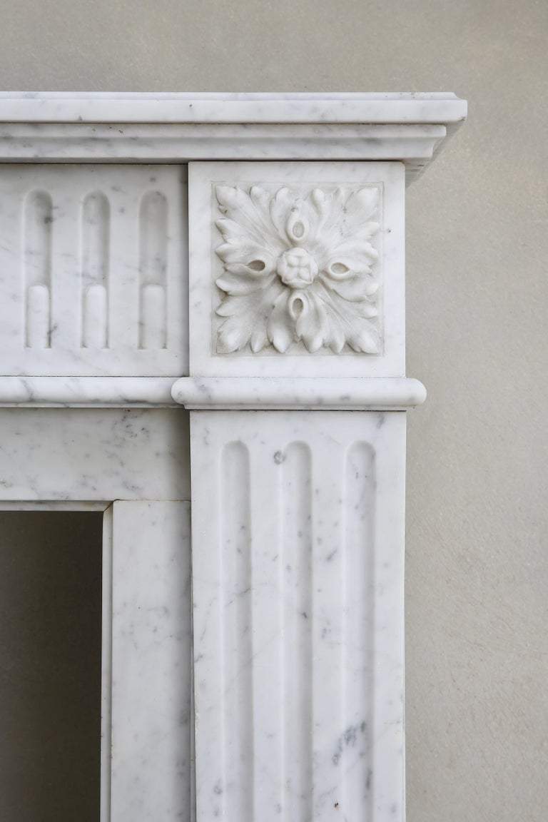 Antique Marble Mantel Piece of Carrara Marble in Style of Louis XVI For Sale 1