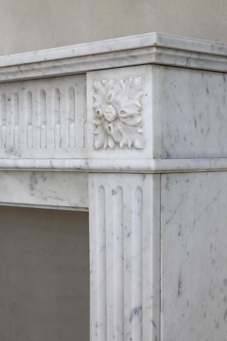 Antique Marble Mantel Piece of Carrara Marble in Style of Louis XVI For Sale 2