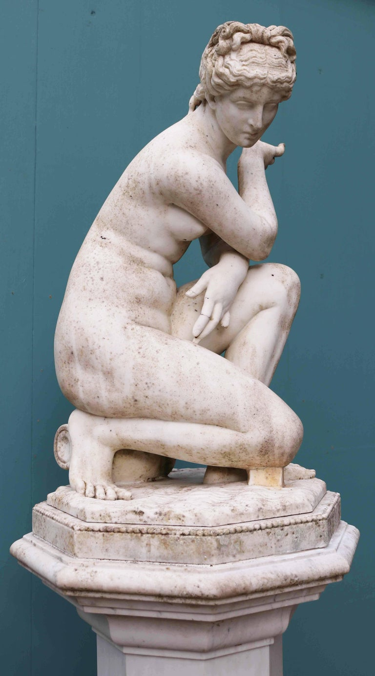 Antique Marble Sculpture of Aphrodite For Sale 1