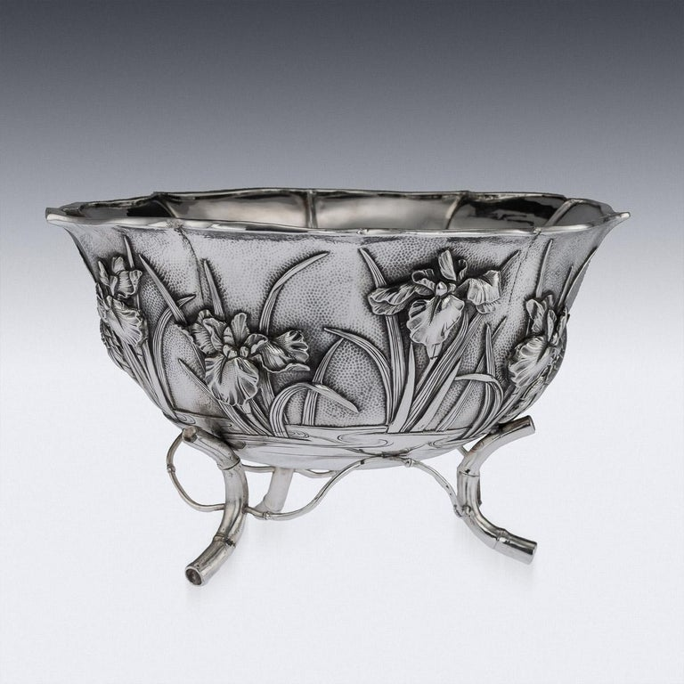 Antique Meiji Japanese Solid Silver Iris Bowl, Kuhn & Komor, circa 1900 In Good Condition For Sale In London, GB