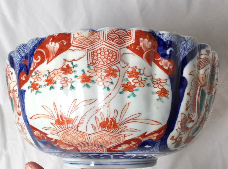 Antique Meiji Period Imari Porcelain Bowl For Sale 1