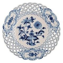 "Antique Meissen ""Blue Onion"" Cake Plateau in Hand-Painted Porcelain"