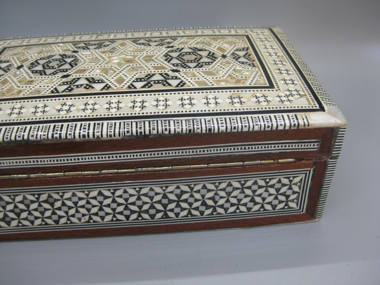 Antique Micro Mosaic Marquetry Mother of Pearl Inlay Wooden Jewelry Trinket Box For Sale 4