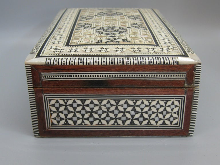 Antique Micro Mosaic Marquetry Mother of Pearl Inlay Wooden Jewelry Trinket Box For Sale 1