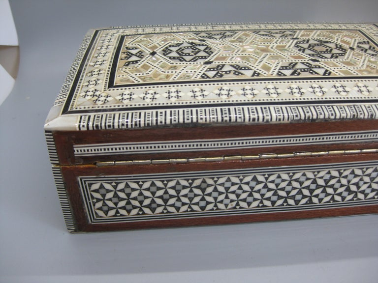 Antique Micro Mosaic Marquetry Mother of Pearl Inlay Wooden Jewelry Trinket Box For Sale 3