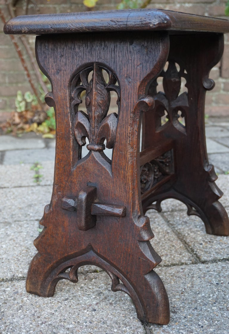 European Antique Mid-19th Century Gothic Revival Stool with Hand Carved Lily Symbols For Sale