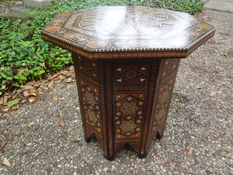 Antique Middle Eastern Arabesque Style Mother of Pearl Inlaid Table For Sale 1