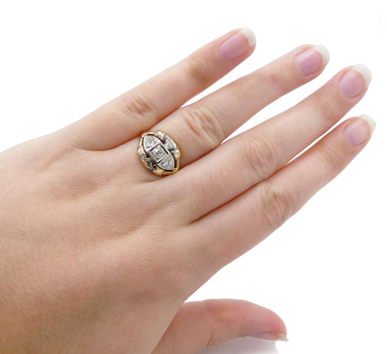 Antique Mine Cut Three-Stone Diamond Ring In Good Condition For Sale In  Baltimore, MD