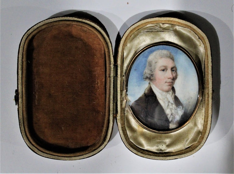 Federal Antique Miniature Portrait on Bone with Fitted Case 14-Karat Yellow Gold Brooch For Sale