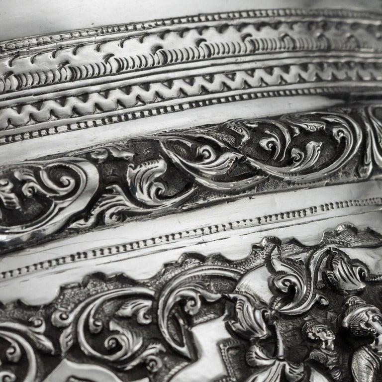 Antique Monumental Burmese Solid Silver Thabeik Bowl, Rangoon, circa 1900 For Sale 4