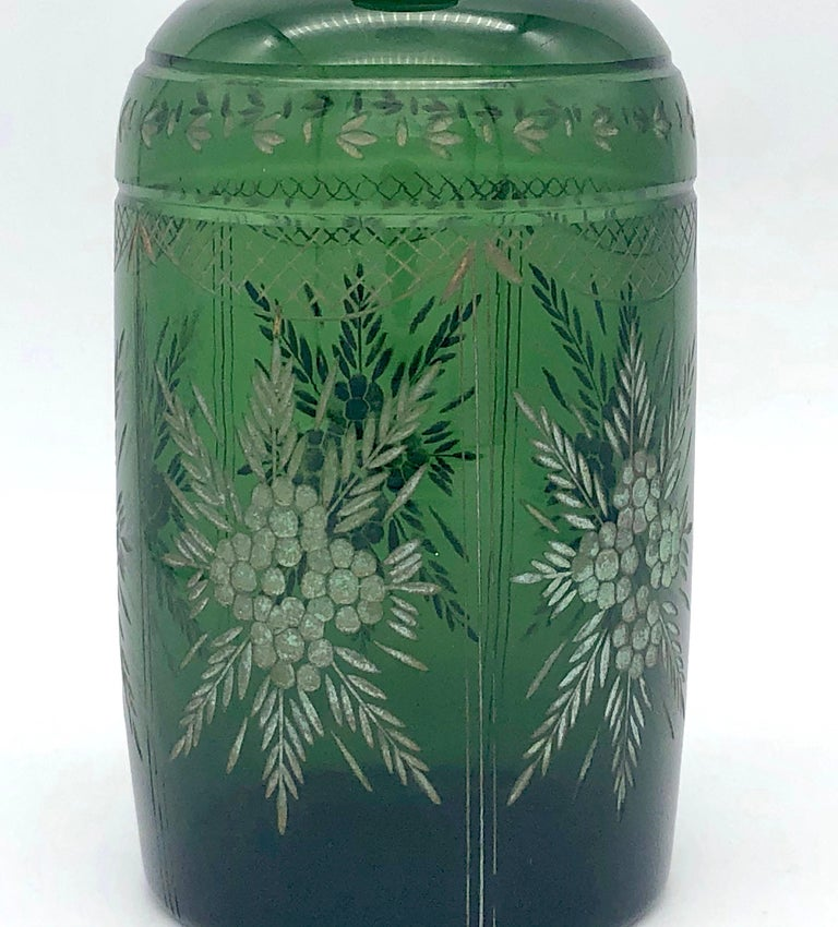 Antique Napoleon III French Green Carved Glass Decanter In Good Condition For Sale In Munich, DE