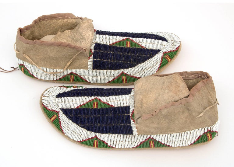 19th Century Antique Native American Beaded Moccasins, Sioux, circa 1900 For Sale