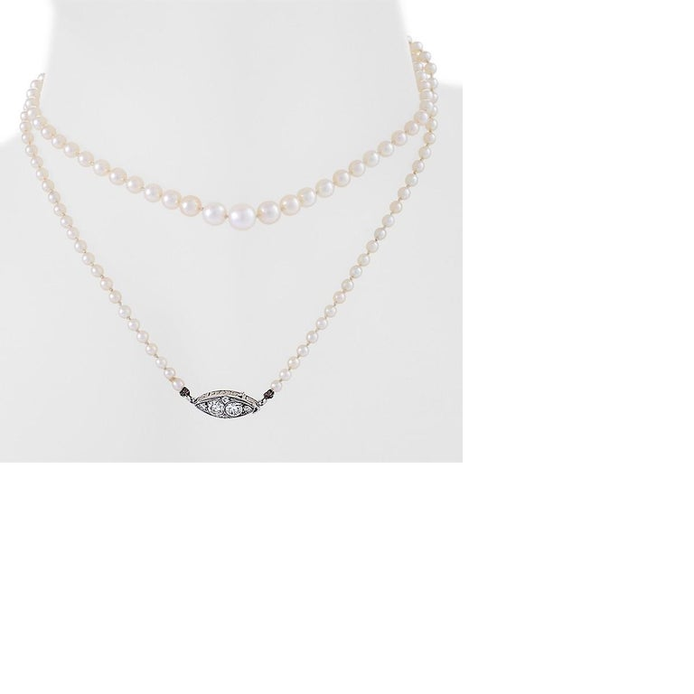 Antique Natural Pearl Necklace with Diamond Clasp In Excellent Condition For Sale In New York, NY