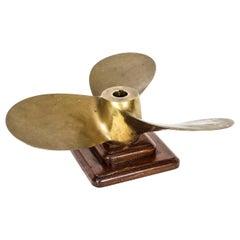 Antique Nautical Oak Mounted Brass Three Blade Propeller 1913 20th Century