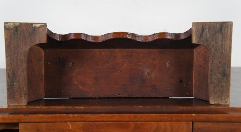 Antique New Haven Clock Co Carved Walnut 8 Day Chiming Mantel Shelf Clock 511 1