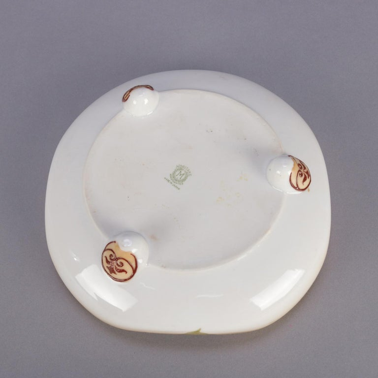 Antique Noritake Hand Painted Nut and Leaf Porcelain Footed Bowl, 19th Century For Sale 7