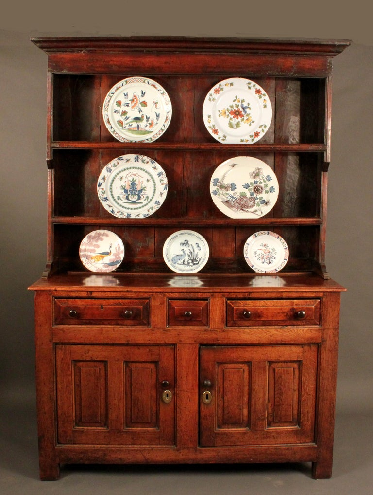 Antique Oak Dresser and Rack In Good Condition For Sale In Bradford on Avon, Wiltshire