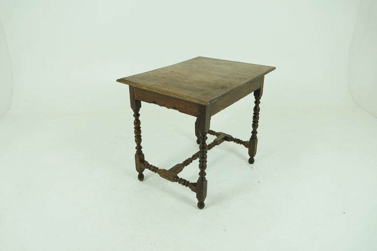 Antique Oak Table, 18th Century Georgian Desk or Hall Table, Scotland, B1683 In Good Condition For Sale In Vancouver, BC