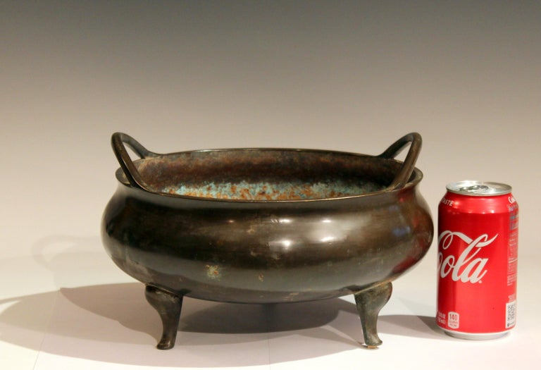 Antique Old Chinese Bronze Large Censor Footed Bowl Antique Patinated For Sale 3