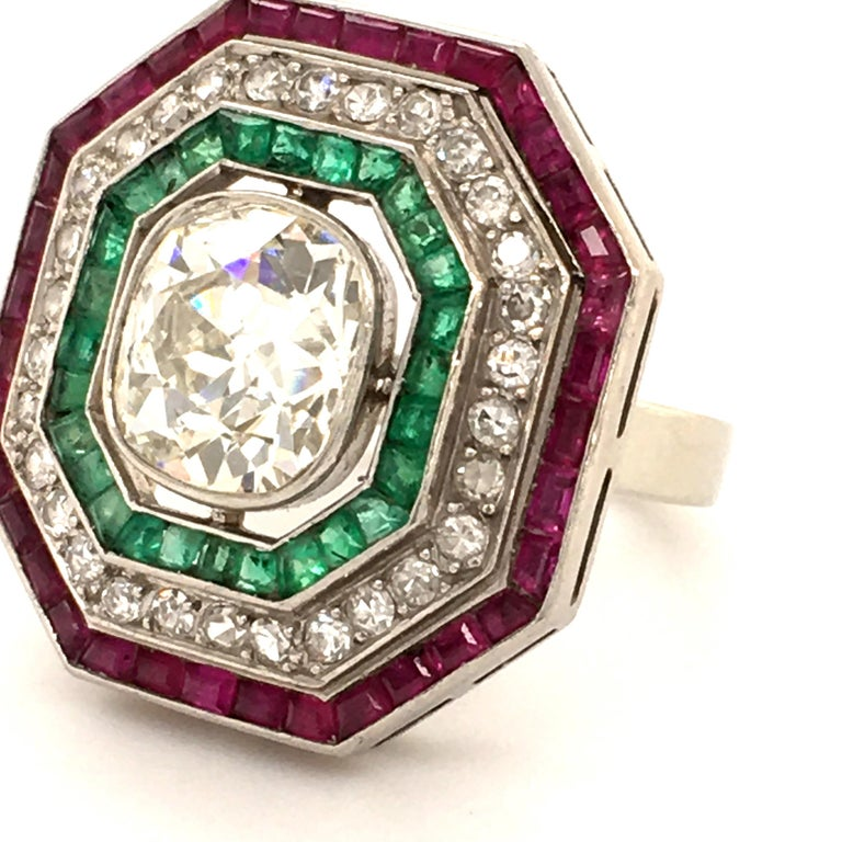 Antique Old Cut Diamond Ring in Platinum 950 with Emeralds and Rubies In Good Condition For Sale In Lucerne, CH