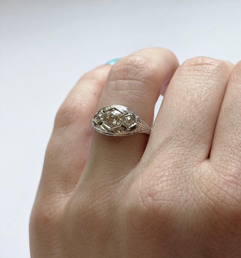 Antique Old Mine-Cut Diamond Engagement Ring In Good Condition For Sale In NEW ORLEANS, LA