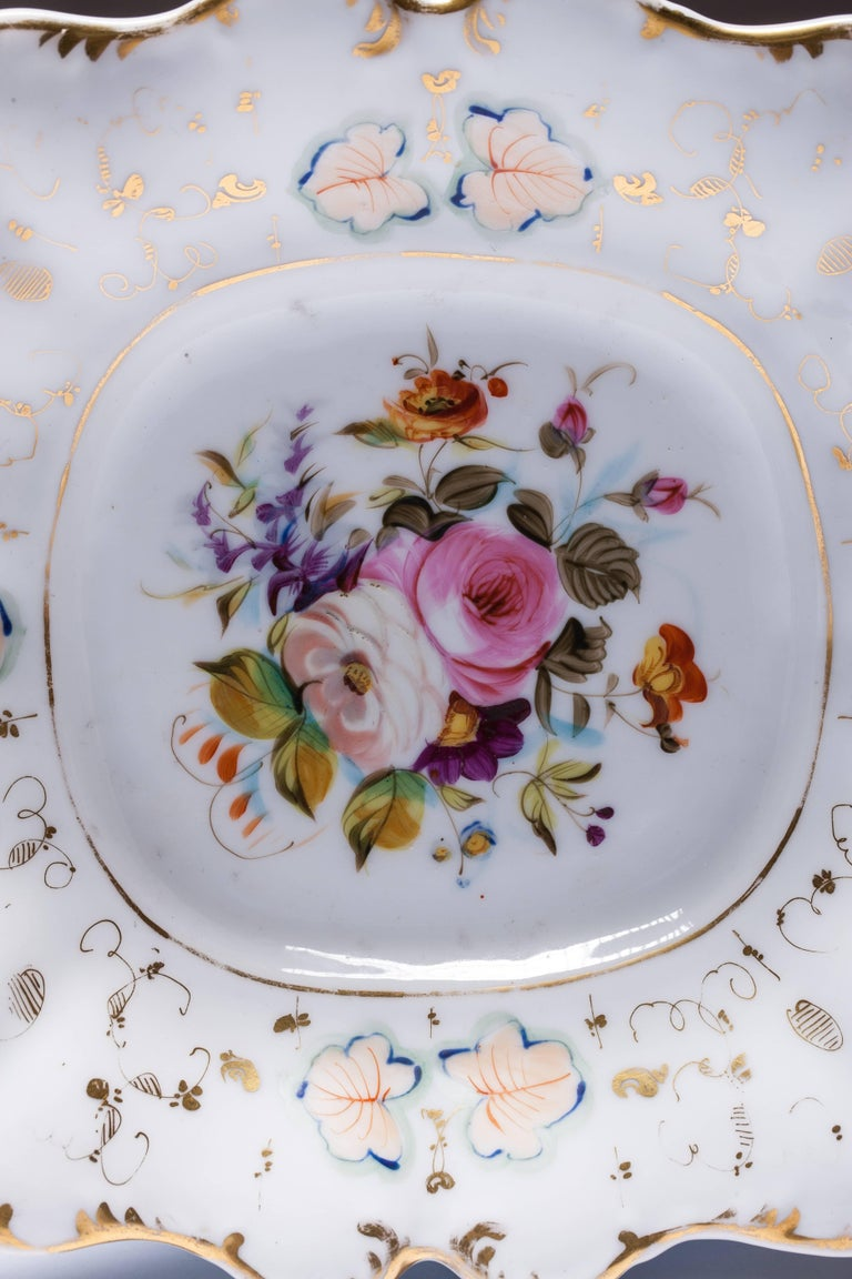 Antique Old Paris Hand-Painted Dishes Set of Two In Good Condition For Sale In Vilnius, LT
