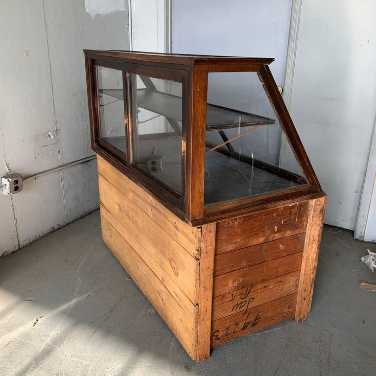Antique One-Tier Wooden Tabletop Store Display Cabinet By Waddell Company, Ohio For Sale 13