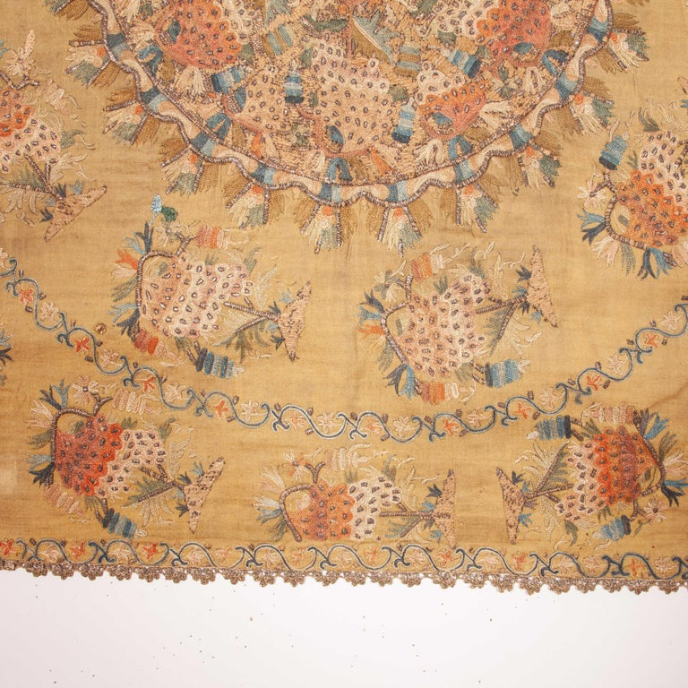 Antique Ottoman Embroidery on Pashmina Wool Cloth, Mid-19th Century In Good Condition For Sale In Istanbul, TR