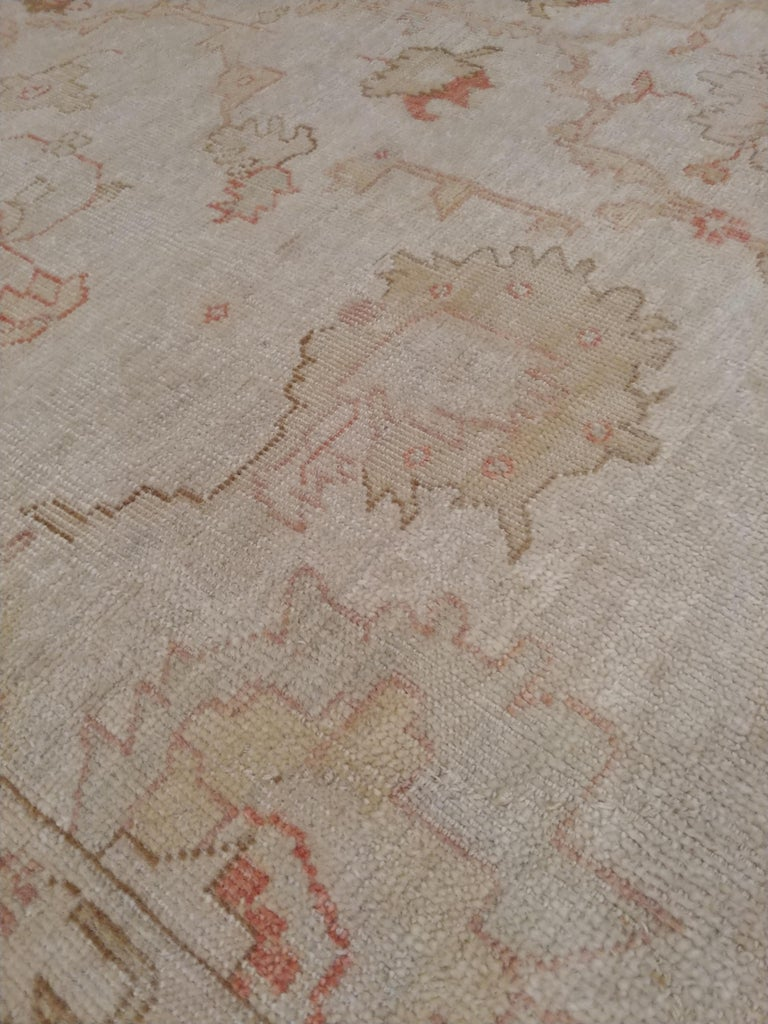 Antique Oushak Carpet, Handmade Turkish Oriental Rug, Beige, Taupe, Coral, Soft In Good Condition For Sale In New York, NY
